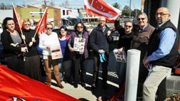STARVED: FACS case workers protest against staff shortages yesterday. Photo: Geoff O'Neill