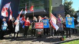 Illawarra Family and Community Services workers take industrial action March over staffing concerns