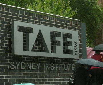UNION DEMANDS RESTRUCTURE OF TAFE BE STOPPED - 27/11/19